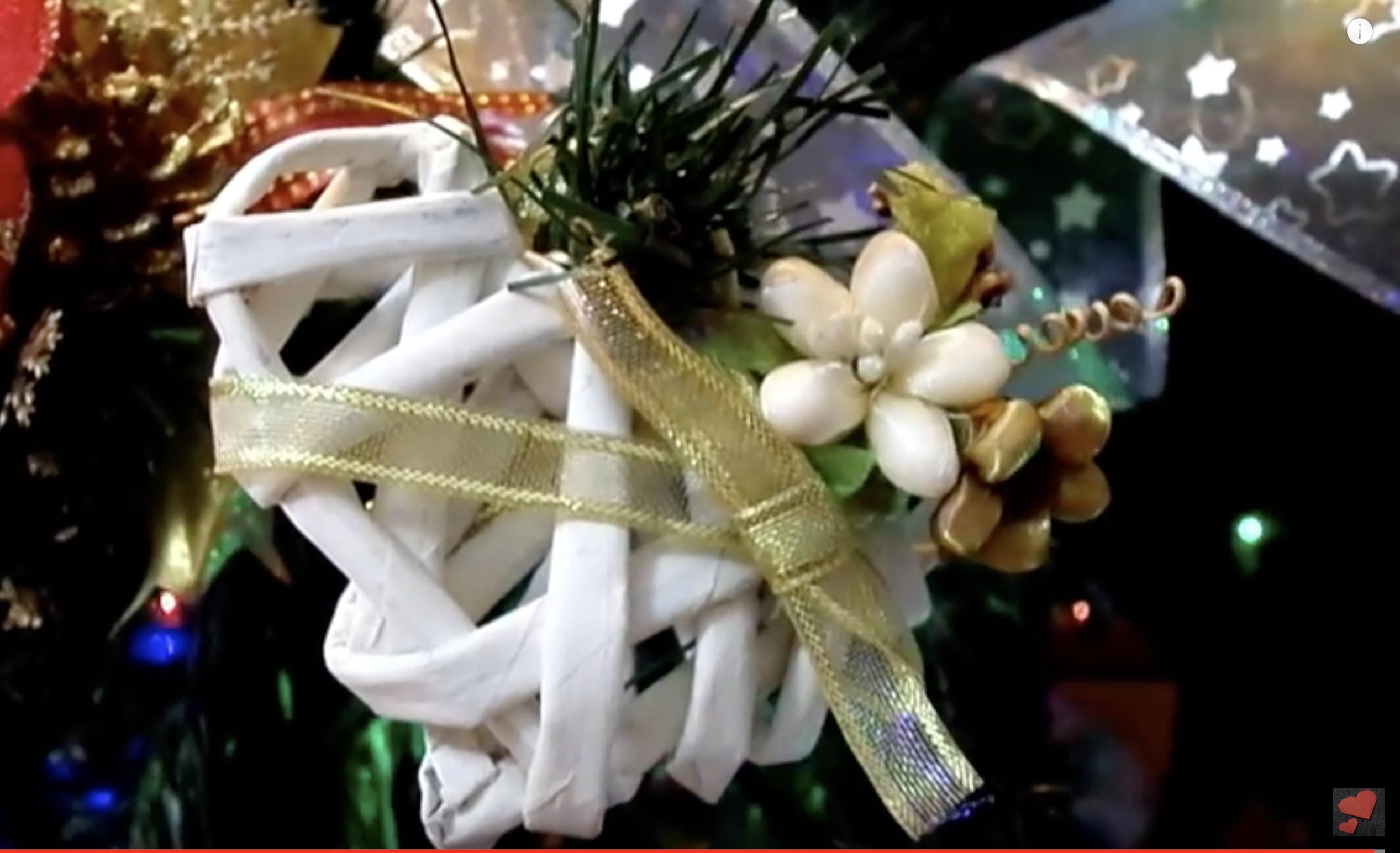 Albero Di Natale Con Cannucce Di Carta.Addobbi Fai Da Te Decorazioni Natalizie Con Materiali Semplici